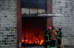 Un incendio destruyó el Mercado de Productos Frescos de la Capital